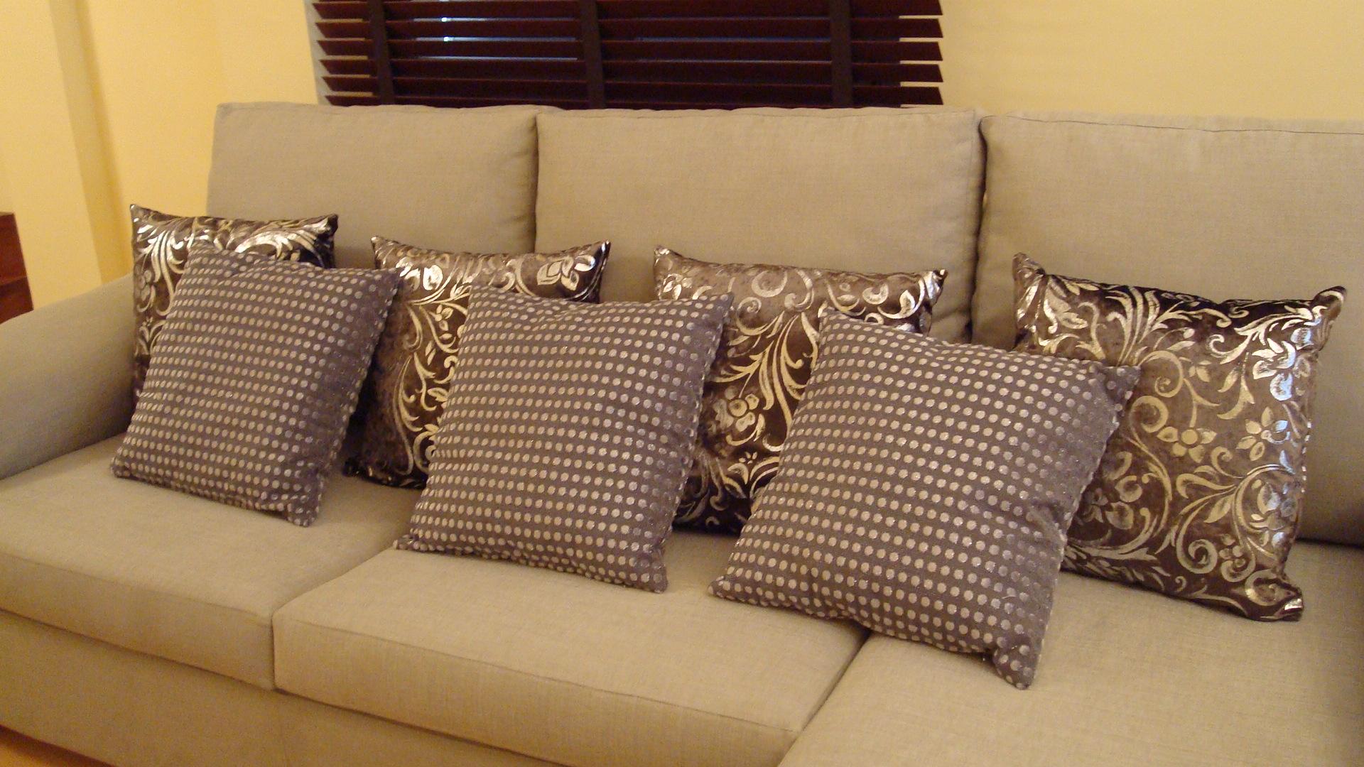 Tapizado muebles 13 tapicer a hermanos moreno m laga for Modelos de tapizados para sillas